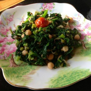 Kale, red onions, peas, chickpeas, plum tomatoes and bean sprouts are the vegetables of the day